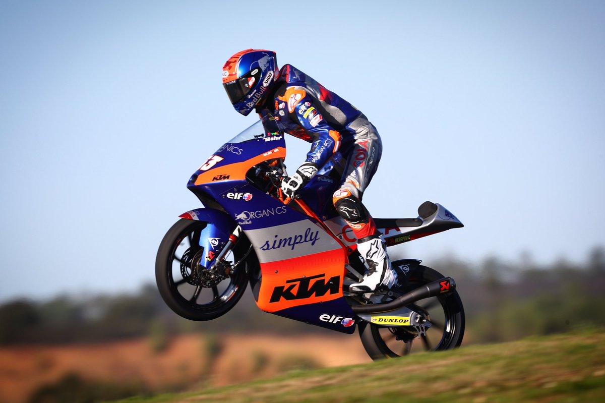 Happy #WheelieWednesday ✊🏻🤟🏻  #KTM #Tech3 #Moto3 #DO53 #MotoGP @MotoGP