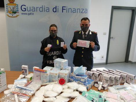 Sequestrati dalla Guardia di Finanza 17 mila dpi in alcuni empori cinesi a Palermo - https://t.co/2U1ie7VuMW #blogsicilianotizie