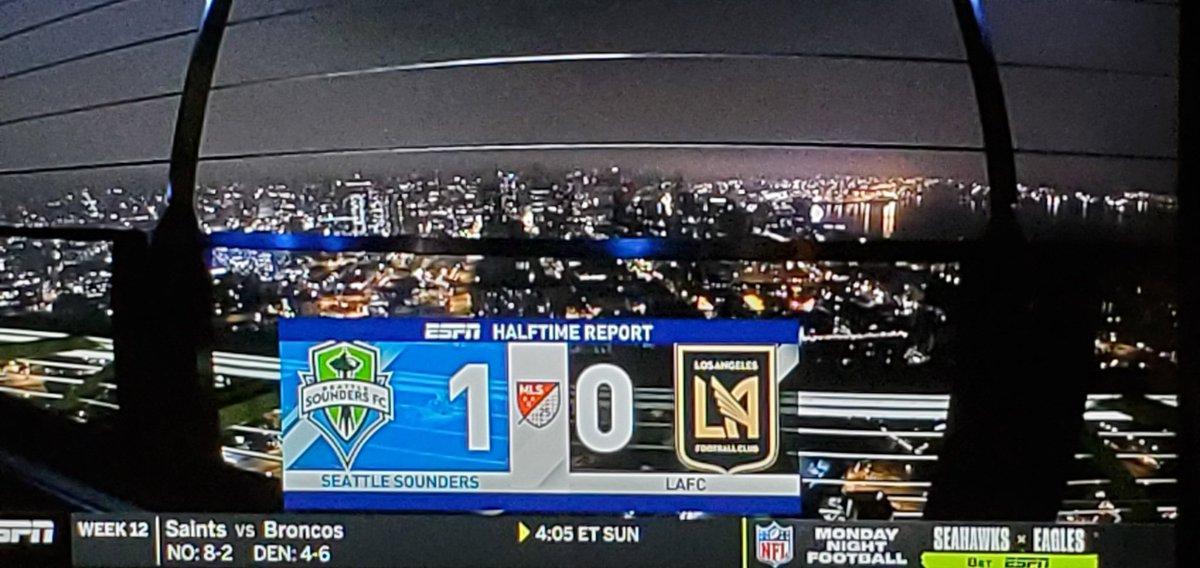 Halftime #EBFG #MLSCupPlayoffs #SEAvLAFC 1 - 0