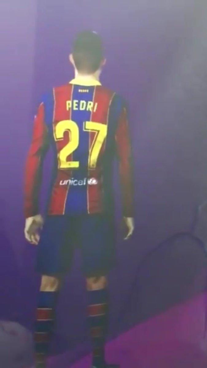 @Pedri Eres nuestro #FuturoDavidVilla ya pedí mi playera del club con tu número y nombre. Incluso te edite en el @Konami @officialpes #PedriCuler  #soloparaculers #OnlyForCulers #Culers #ForçaBarça @FCBarcelona_es @PESlatam Tenias el 27 pero ya eres el 16.Un abrazo🤝Saludos master!