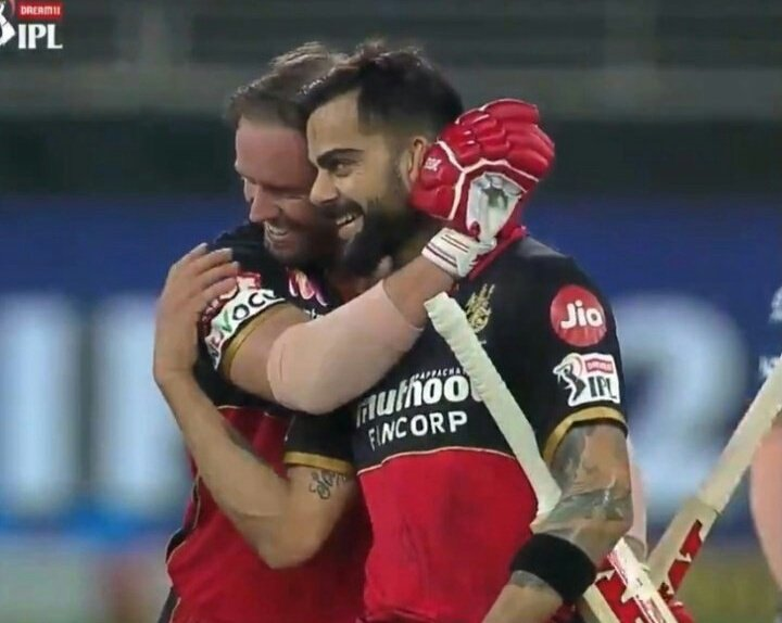 @RCBTweets The 🐐s of the game!! Hope they win the biggest ICC awards..both are the most deserving!! #Blessed #ABD #ABDeVilliers @ABdeVilliers17 🐐 #RCB #MASTER #IPL #IPL2020 #ViratKohli https://t.co/LUx3gxDJMi