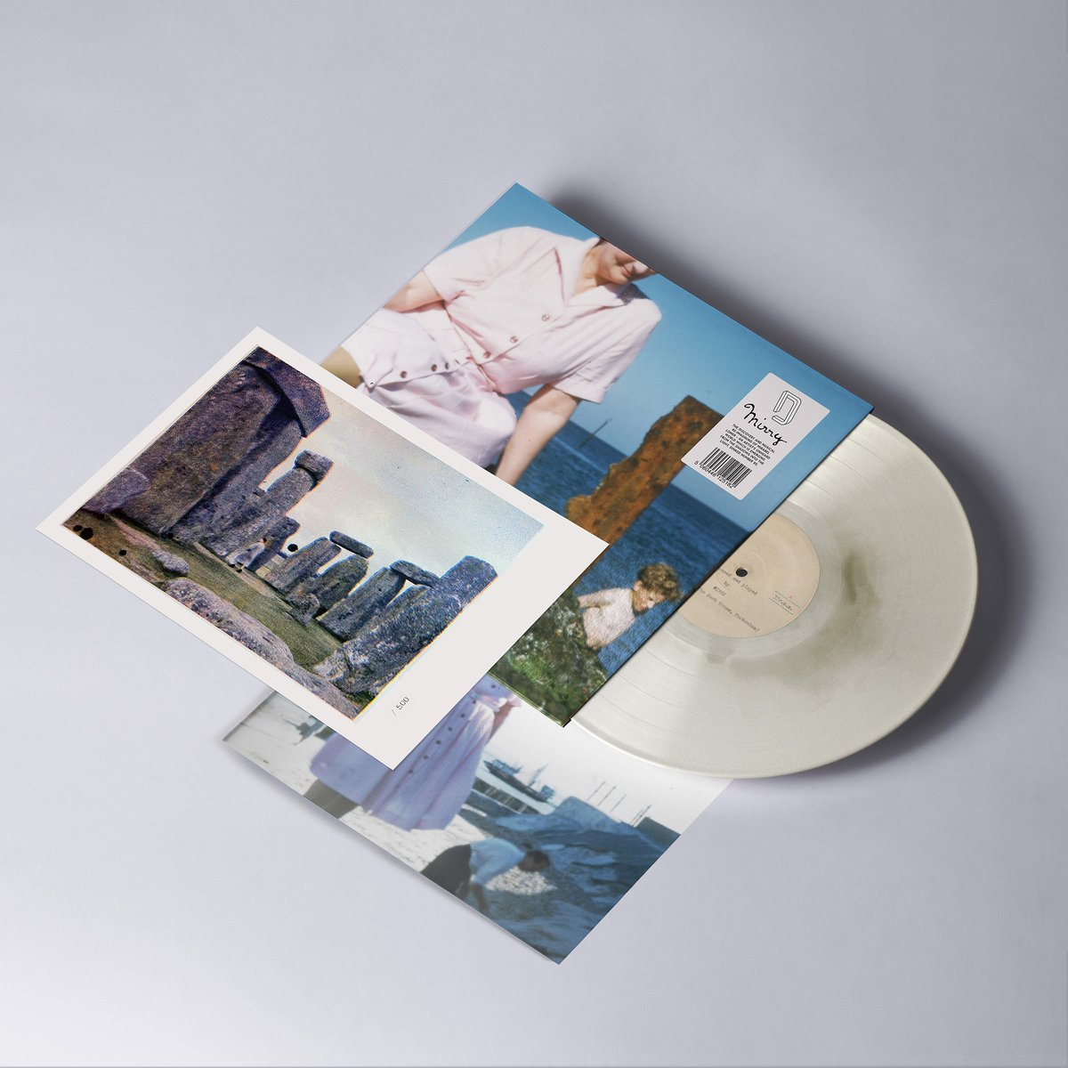 REVIEW: Mirry by Mirry The secret piano recordings of a late relative are brought to life with ornate embellishments on this gorgeous, invitingly warm, memory invoking & moving concept record from Tom Fraser & Simon Tong. 8/10 normanrecords.com/records/184755…