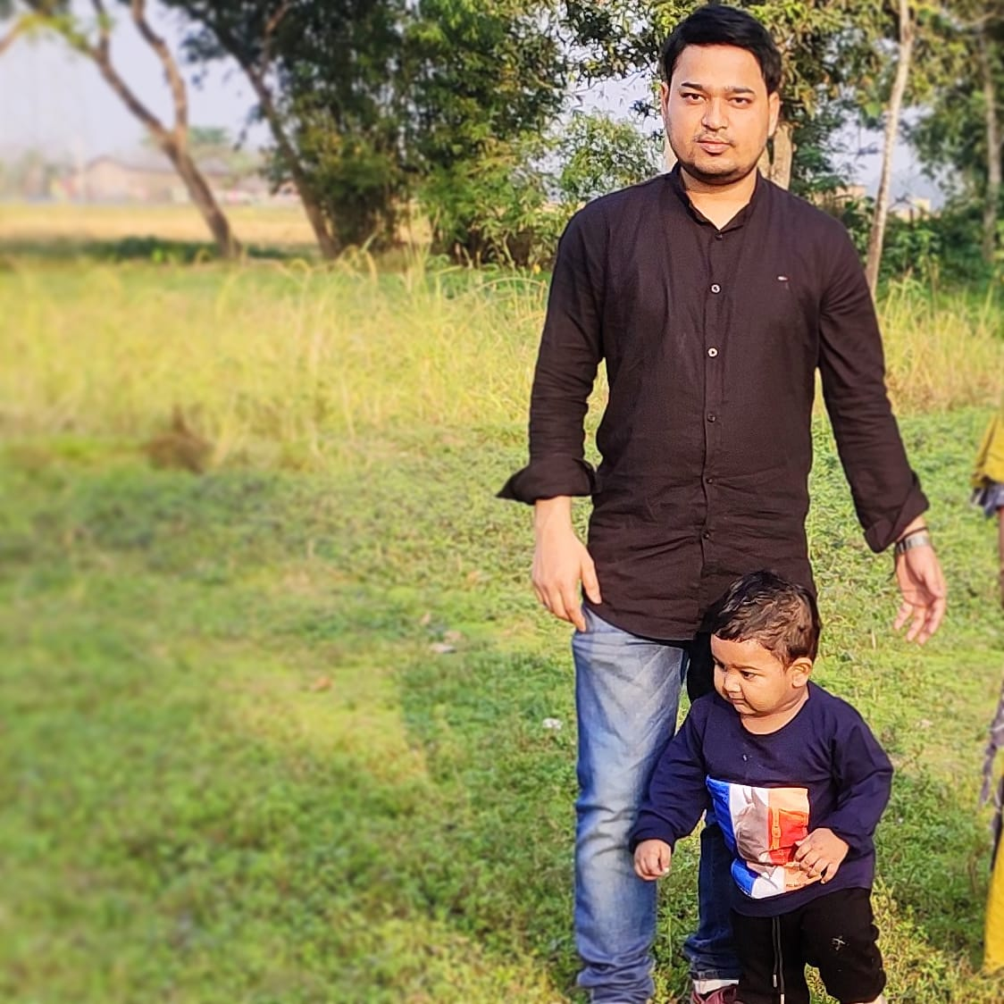 The holidays are all about Spending time with family and friends ❤️💙❤️  #holidays #familytime #hojai #assam #murajhar #tahiralom #son #fatherandson @ Hojai https://t.co/F6JTpfNmQQ https://t.co/D6bVBfl0P5