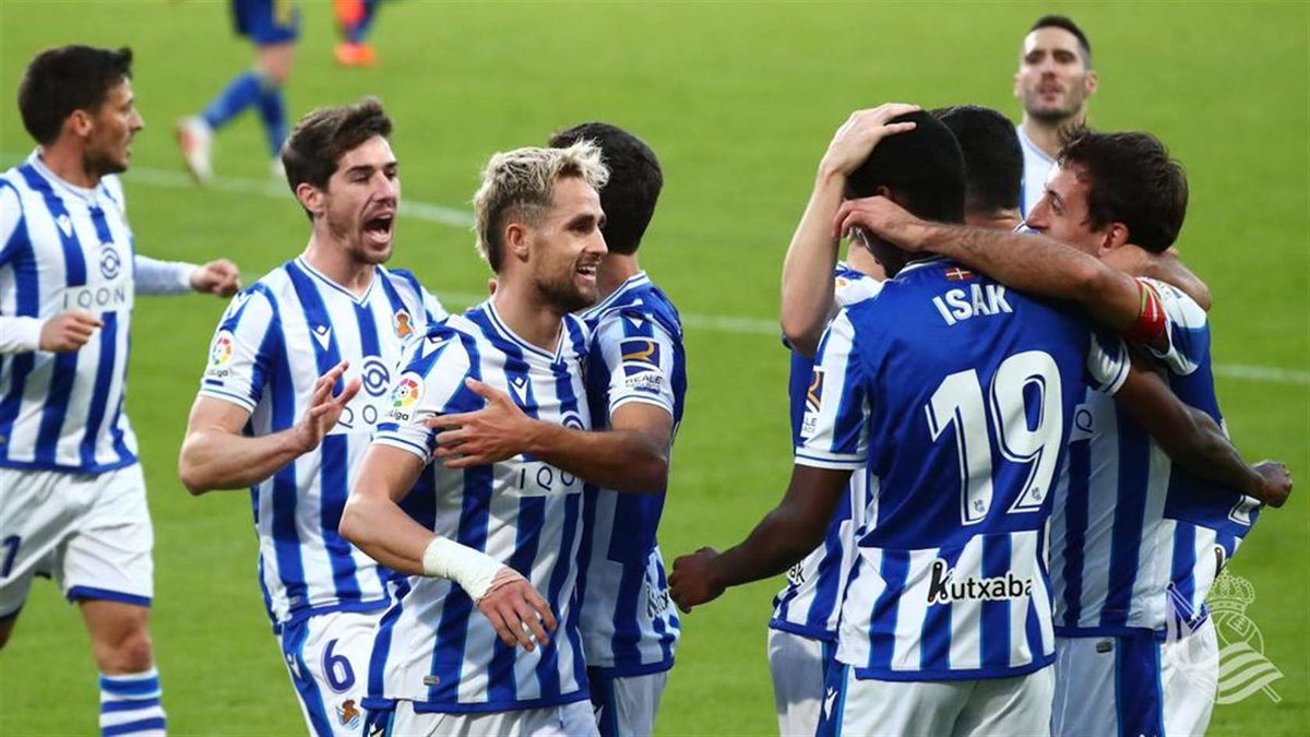 With just one loss in the campaign so far this season, Real Sociedad is leading the table as things stands. The Whites and Blues are now starting to believe they can cause a huge upset and win the league for the first time since 1982.  @BanzaRP previews 👇 https://t.co/0NM6CHMhyu https://t.co/YmfIOH7bQ2
