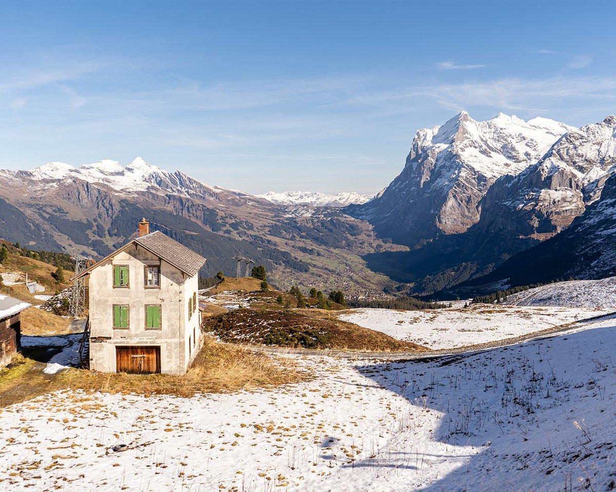 💛🧡 ⠀ @grindelwald | @madeinbern | @MySwitzerland_e  #Grindelwald #kleine Scheidegg #snow #sunshine  #mountains #favourite #jungfrauregion #madeinbern #inLOVEwithSWITZERLAND #switzerland ⠀