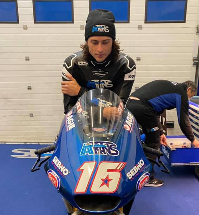 VIDEO - Joe Roberts tests in Jerez the World Champion's bike: The American is already on track with the Italtrans Moto2 with which Enea Bastianini won the championship on Sunday https://t.co/mWOJuk9C1Z https://t.co/jhglABOvmi