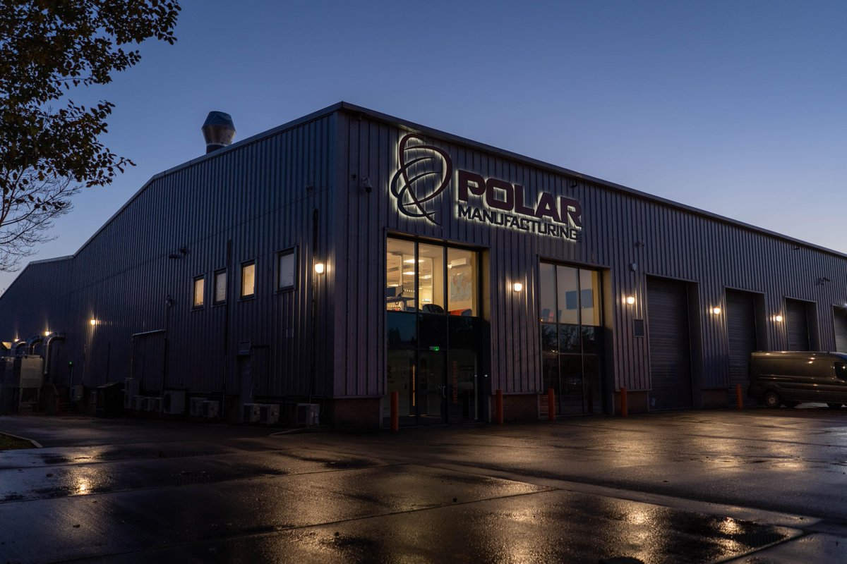 A view of our 25,000 sq. ft facility at night 🌙  #advancedengineering #composites #carbonfibre https://t.co/ZsU1cLdTty