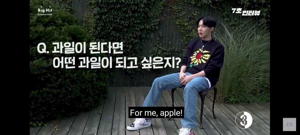 Apple of my eye!!!🍎👀😆 @BTS_twt  #JHOPE https://t.co/8KbdfbQmYv