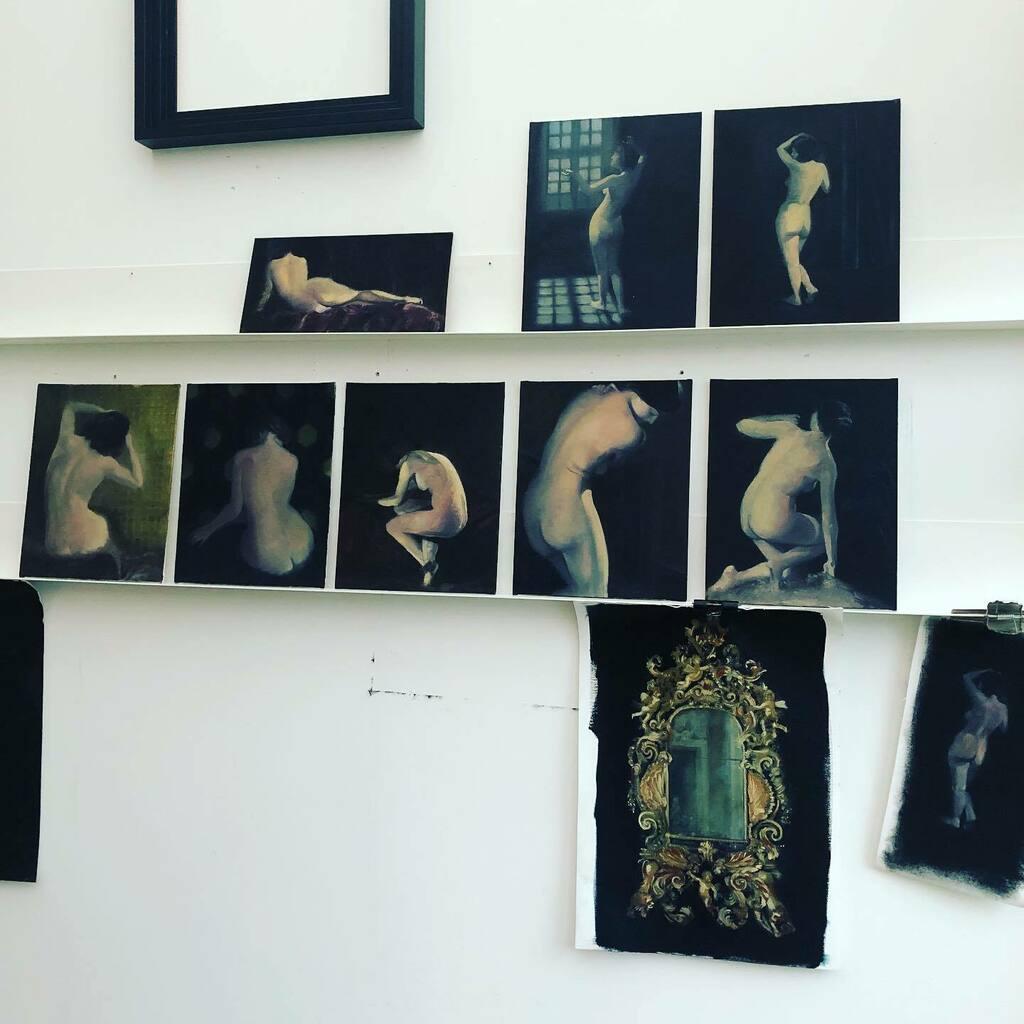 Good morning from a rather dingy studio. New little shelves are up for my ladies. #studiolife #artstudio #diy #shelfie #contemporarypainting #contemporaryart #artistsoninstagram #painting #oilpainting #oiloncanvas #oilpaintings #studiowall #studio #alexm… https://t.co/C1UA68qyz2 https://t.co/PY4QWHCrKJ