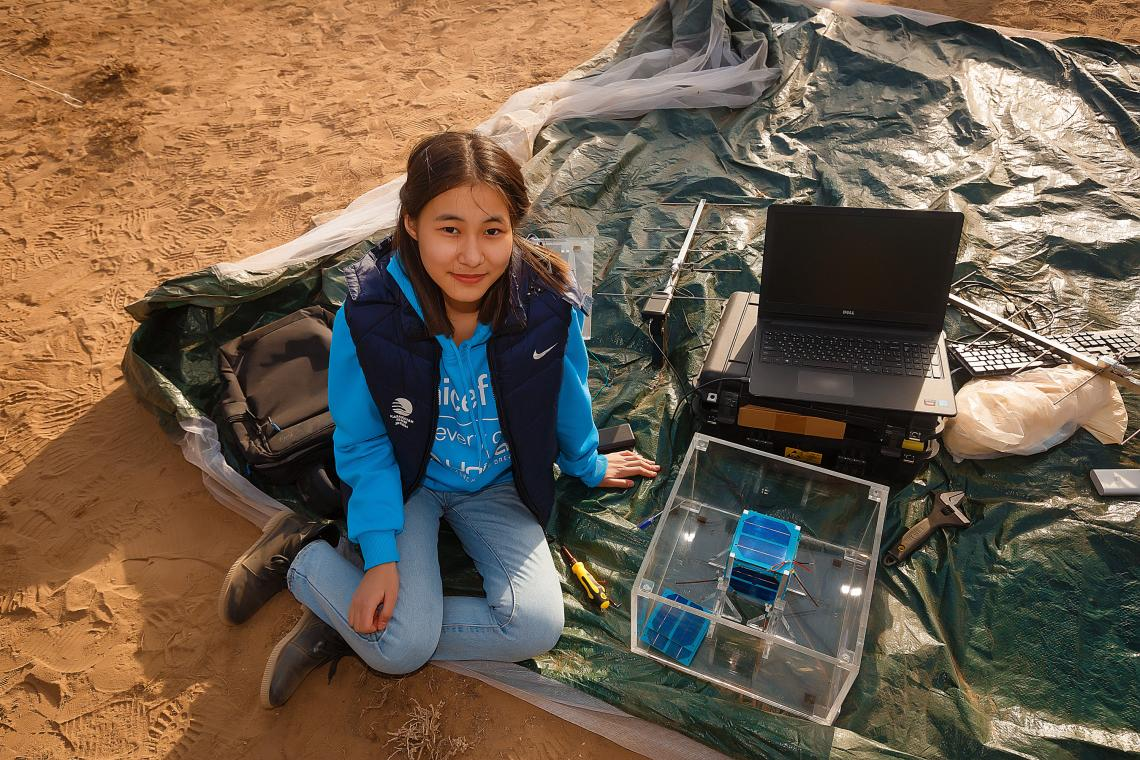 Kazakhstan's nanosatellite initiative is propelling girls to the forefront of #science & #technology.  Last week, young women & girls designed & built cutting-edge nanosatellites that have been lifted-off to explore the cosmos!   Learn more via @UNICEF: https://t.co/LN9fiGL4nb https://t.co/cqoxKAu2I2