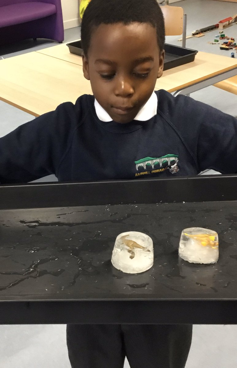 Rainbow Room 🌈 All about ice today - we rescued dinosaurs from their frozen eggs using warm water then played with letters in the cold ice #sensory #science #literacy #fun https://t.co/2BWi8iMVkW