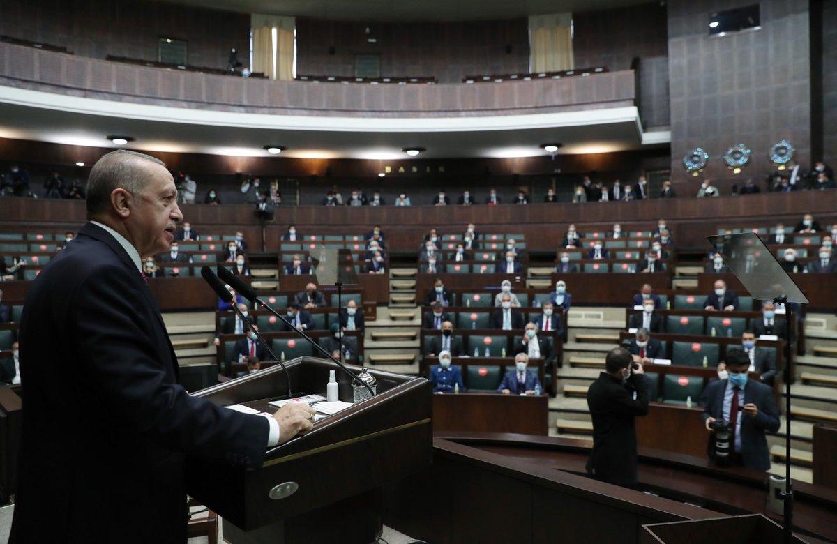 """""""Milletimizin büyük ve güçlü Türkiye'ye layık olduğuna inanıyor, her ne pahasına olursa olsun bu hedefe ulaşmak için mücadeleyi tercih ediyoruz"""""""