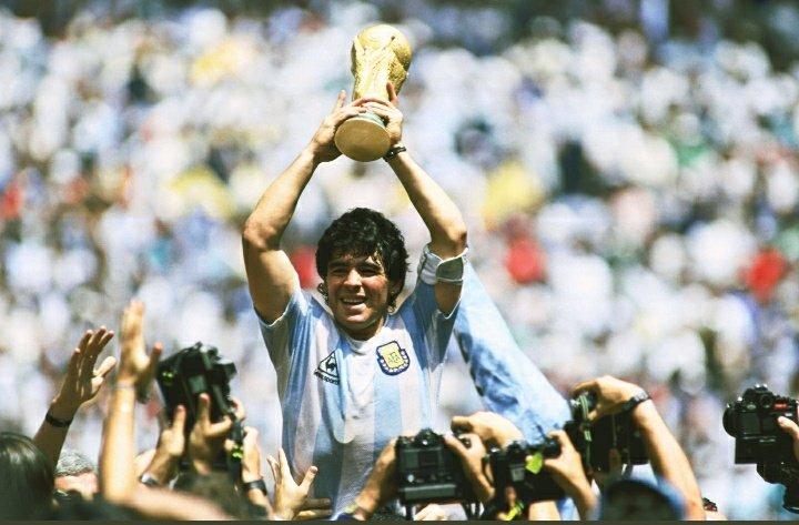 Q.E.P.D genio del futbol mundial #d10s