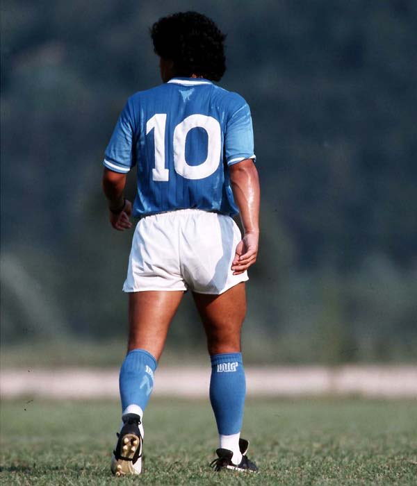 Heart breaking to know that the legend is no more RIP #Maradona best player ever 💔💔💔 #LEGEND #icon #football #GreatestOfAllTime #jersey10 #Argentina