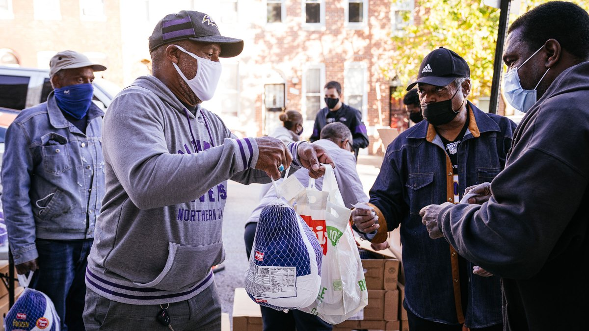 The Ravens remain committed to serving families in the Baltimore area this holiday season.   Although players were not able to physically attend this year's Thanksgiving events, they have donated thousands of meals this holiday season. 💜  📰: