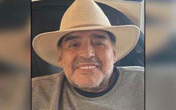 RIP LEGEND!💔  Football legend and former World Cup winner#DiegoArmandoMaradona is no more!  #Argentina | #RipDiegoArmandoMaradona | @sidharth_shukla | @juniorbachchan | @RanveerOfficial | #Maradona   Read here: