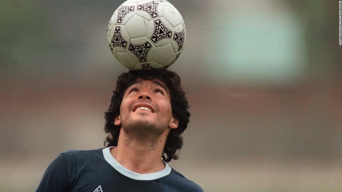 Tu legado permanecerá por siempre. Gracias por todo Diego, gracias por permitirnos disfrutar de tu talento en el campo de fútbol. Te extrañaremos. Mi abrazo fuerte a su familia y a todo el pueblo argentino en estos momentos.