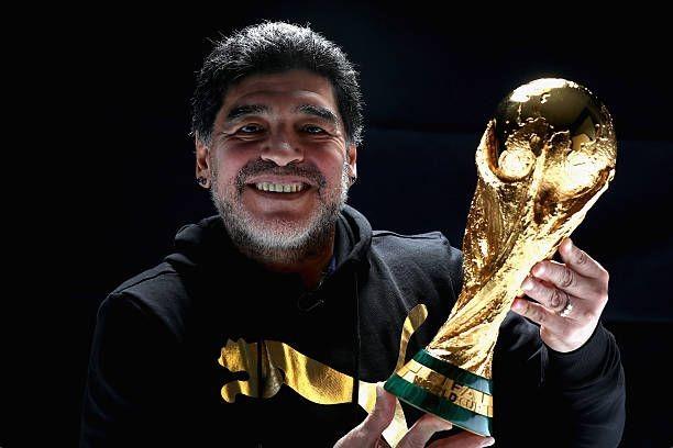 Que en paz descanses Diego.  El más grande.  Siempre en nuestro corazones ❤️😔 #Maradona #QEPD #d10s
