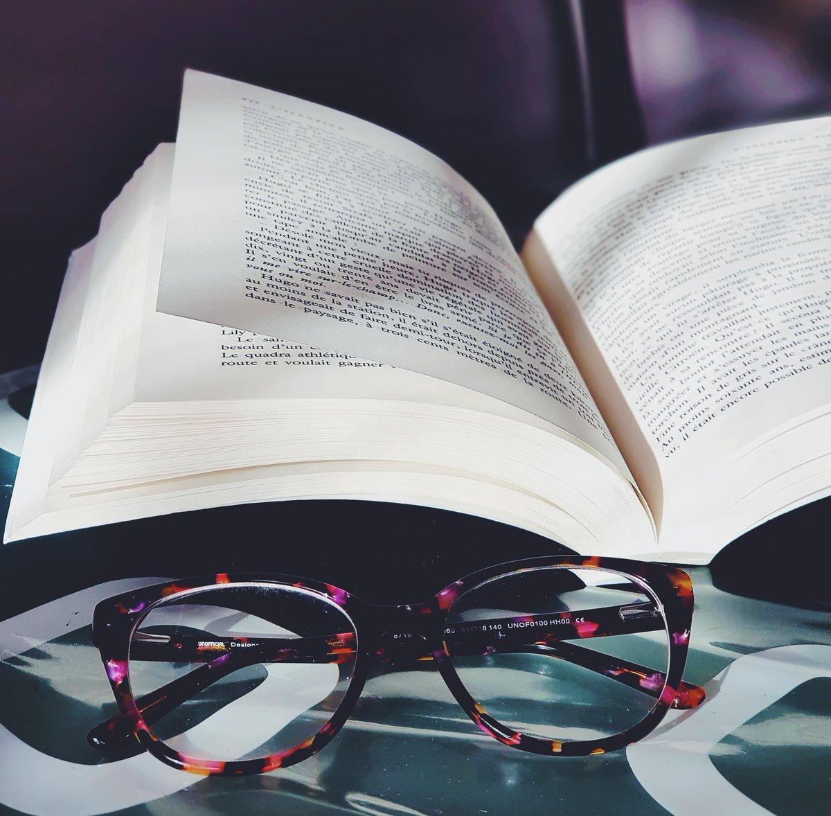 ~ LECTURE DU MOMENT ~ En pleine lecture de L'Illusion le dernier livre de Maxime Chattam et comme a chaque fois je suis aspirée dans son monde et je vis l'histoire comme si j'y étais quelque soit le sujet ! @ChattamMaxime #lillusion https://t.co/V7H0gP1Qgl