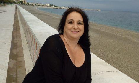 Altro femminicidio, donna uccisa a coltellate e nascosta tra gli scogli - https://t.co/3DnzXWEDAq #blogsicilia #25novembre #femminicidio