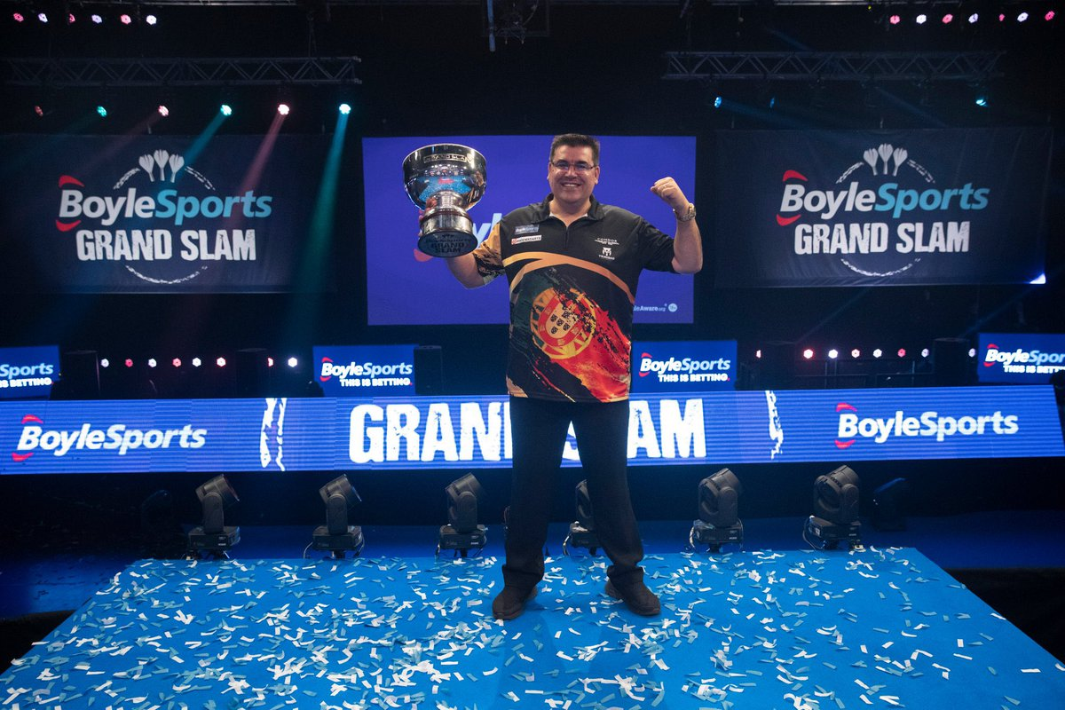 Thanks to the @SkySportsDarts team for the great job at the Grand Slam of Darts - it was so enjoyable to watch!   I watched everyday and you all make it look easy with such a slick production.👏🏻  Bring on the world championship! 🎯🙌🏻  📸 Lawrence Lustig https://t.co/Vcq3rmdCUo