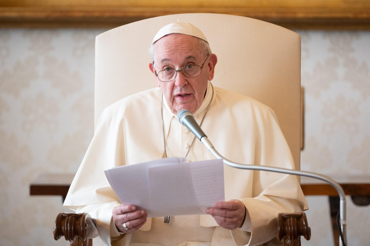 """""""It is God who creates the Church not the clamour of works. The Church is not a market; the Church is not a group of businesspeople who go forward with a new business. The Church is the work of the Holy Spirit whom Jesus sent to us to gather us together."""" @Pontifex 📸VaticanMedia"""