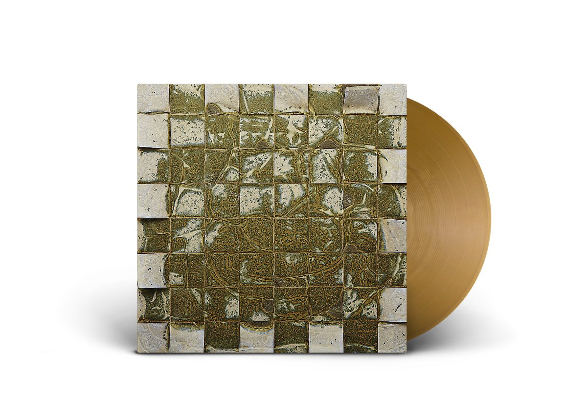PRE-ORDER: Celestial Scuzz by Vapour Theories Celestial Scuzz is the first album in fourteen years from Bardo Pond side project Vapour Theories. Edited from hours of mind-bending jams, here they balance psych with monolithic drones. normanrecords.com/records/184747…