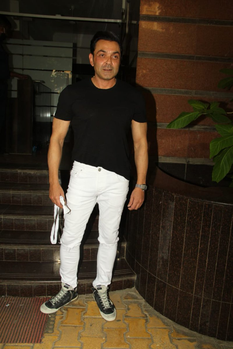 #BobbyDeol you deserve all the success .. would like to see you do some more work with #PrakashJha. The actor was spotted at Prakash Jha's office for the success party of #AashramChapter2  @iambobbydeol  #bobbydeol #aashramsuccess
