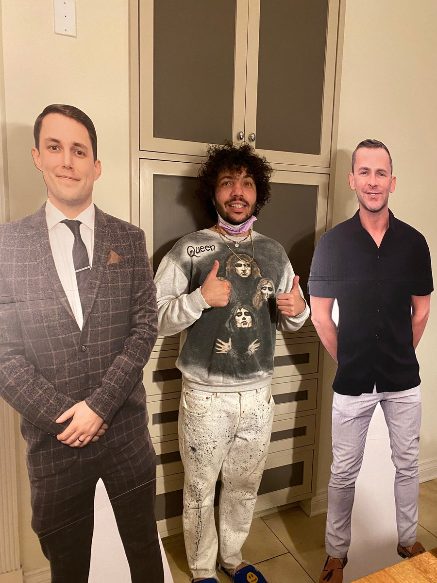 I heard that people in the UK are feeling 'Lonely' too. Hang in there. Luckily for me @scott_mills @chris_stark came to visit me in LA to keep me company