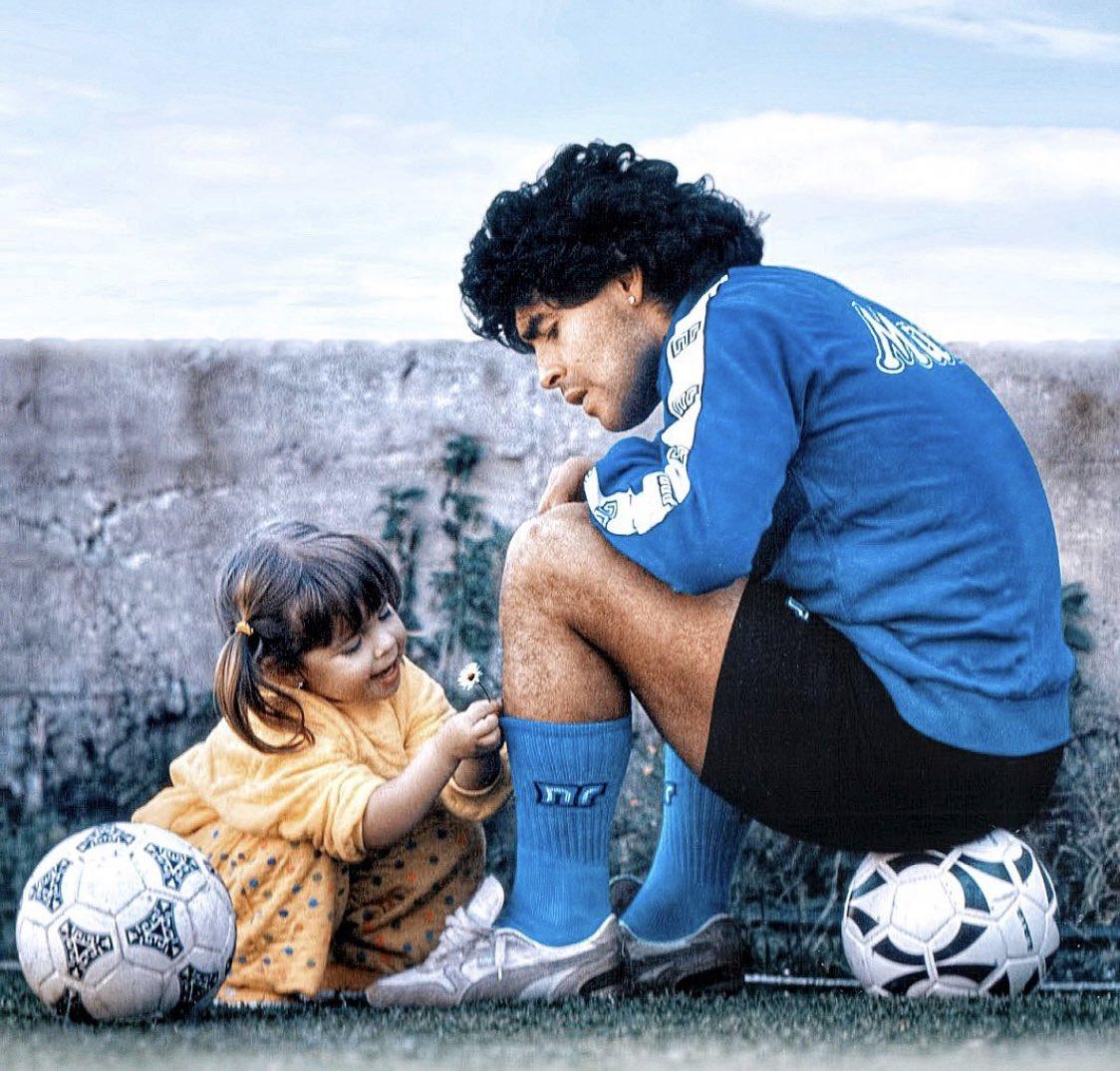 RIP  #Maradona 🙏🙏 https://t.co/1RiEKTm8zj