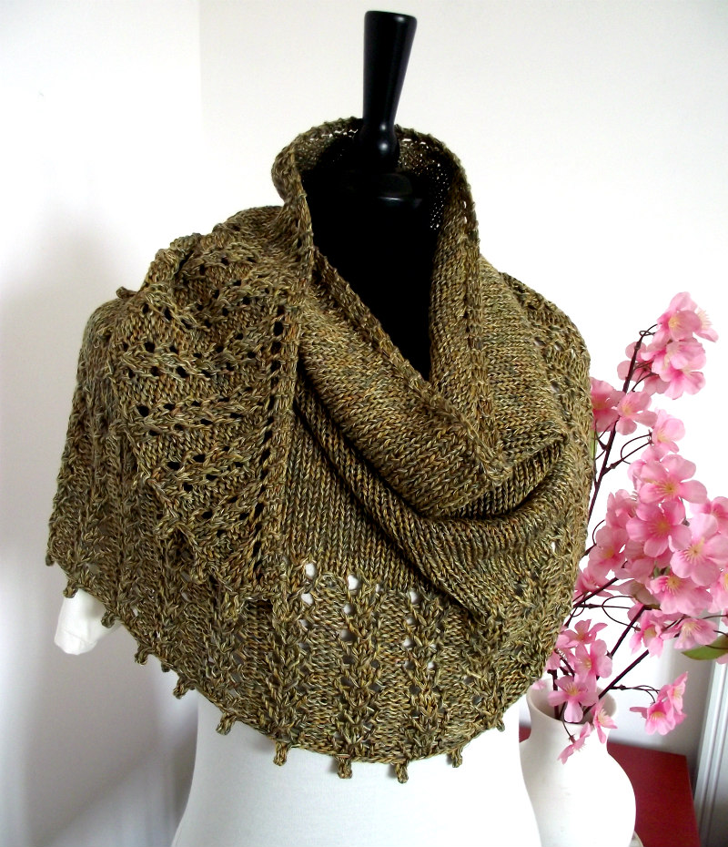 Eternity Shawl is another easy and fast to knit Shawl pattern, grab your pdf on etsy or ravelry today and make the best gift this holidays!  #knitting #shawl #gifts #holidays #wednesdaythought