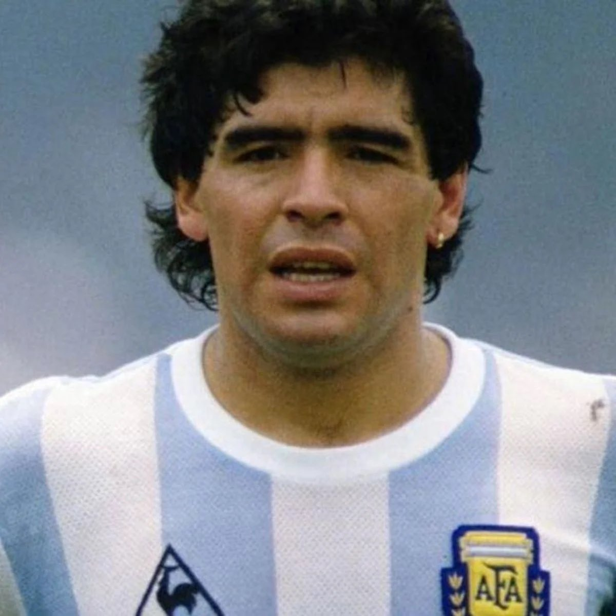 Never struck me as the nicest person but RIP to the greatest footballer of all time (puts tin hat on) #swfc #Argentina #NapoliMilan