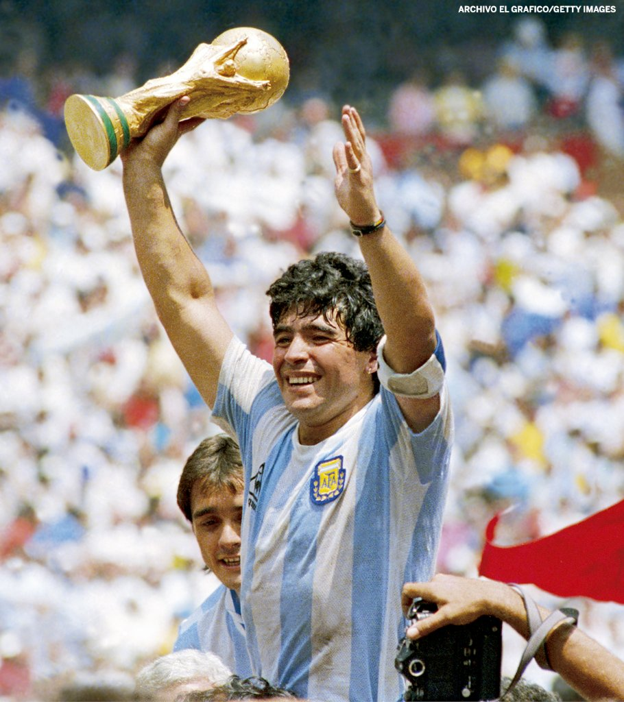 Diego Maradona has died at the age of 60, his longtime lawyer and agent has confirmed.   • Played in 4 World Cups • Won 1986 World Cup and Golden Ball • Won 9 club titles with Boca Juniors (1), Barcelona (3) and Napoli (5)  One of the all-time greats. https://t.co/yv0WtvLDsU