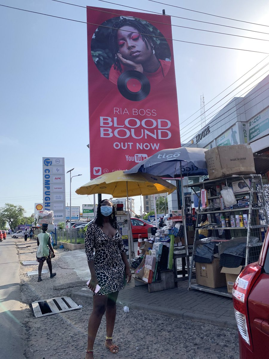 Catch me on Oxford street! Photo taken by @iamElikem, billboard design by @aspiringhippie0, #BLOODBOUND OUT NOW: youtube.com/watch?v=kl1ibX… 🩸