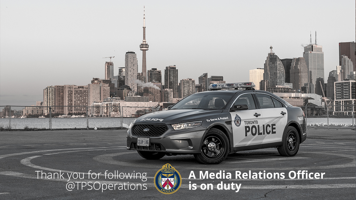 Good afternoon #Toronto!! Officer Alex @CopWhoLovesCars is on duty, and will be delivering todays police news!! ^al