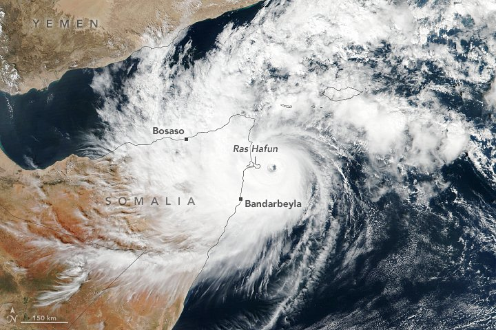 Cyclone #Gati is the strongest storm to hit #Somalia on record. It brought more than a year's worth of rain in two days.