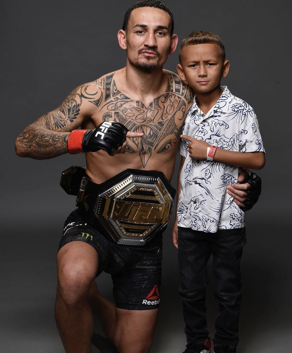 Which fighter do you hate to see lose the most?  Mine is Max Holloway🥺  #UFC #UFC255 #UFCVegas15 #MMA #MMA2020 #MMA #MMATwitter #maxholloway https://t.co/MDFNCaGsD9