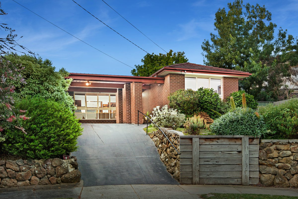 Just Listed: 5 Honni Mews, Doncaster East. https://t.co/D40RSL8XRG  #realestate #melbourne https://t.co/Vb7Ukd4BZY
