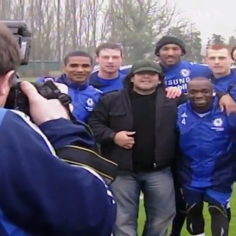 When Diego Maradona visited the Blues at Cobham. 💙