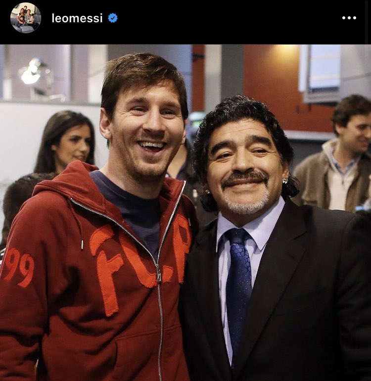 """📲 Messi on Instagram: """"A very sad day for all Argentines and football. He leaves us but doesn't leave, because Diego is eternal. I seize all the good moments lived with him, and wanted to take advantage to send my condolences to all his family & friends. RIP."""" 🇦🇷 https://t.co/7zU0DqsRsQ"""