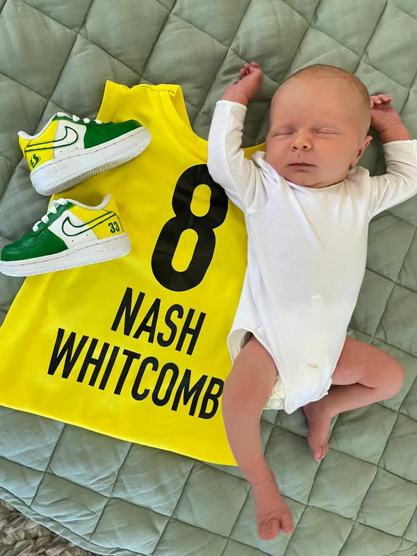 Congratulations to @SamBam32 and her wife, Kate, for the birth of their son! 😍  Welcome to the Storm family, Nash! 💚💛