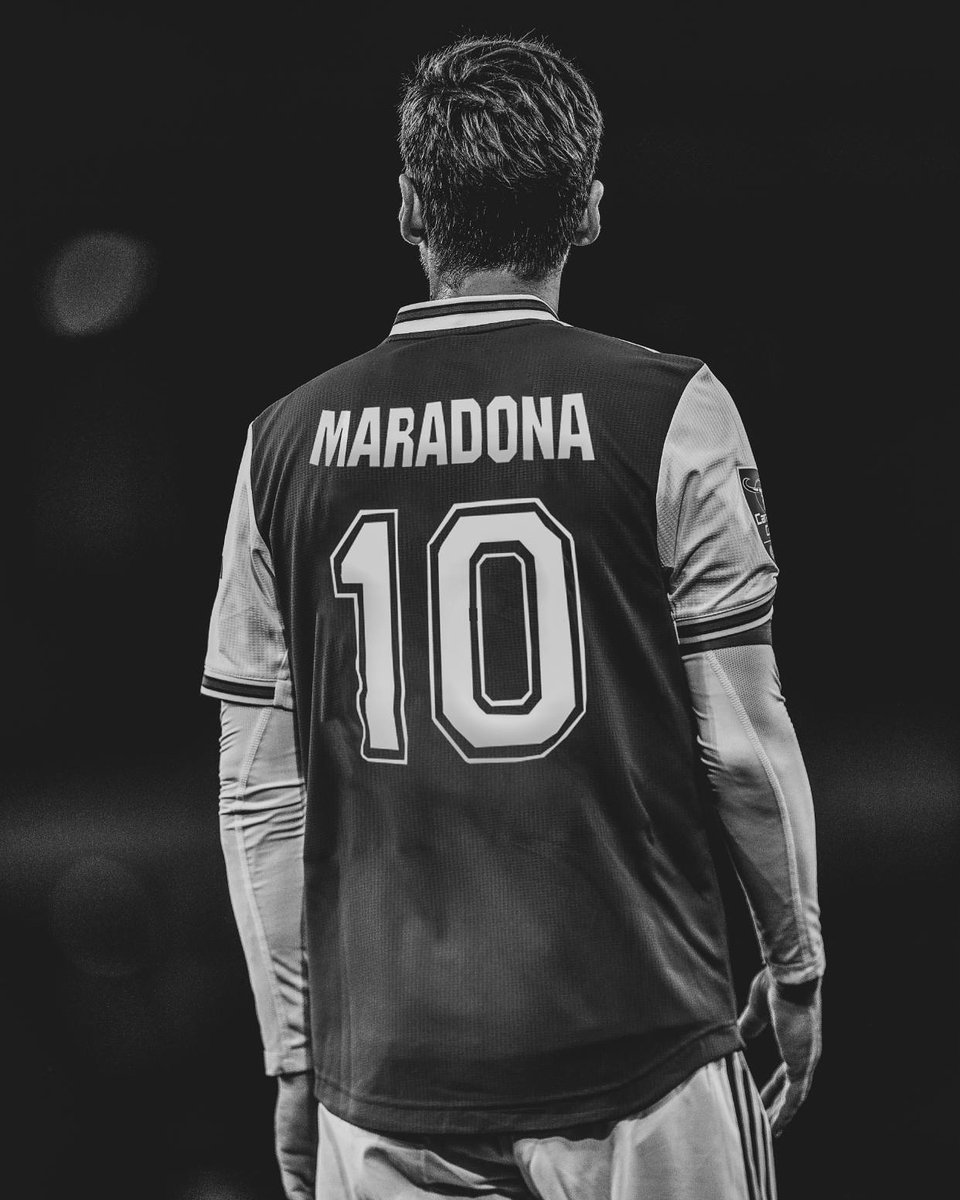 Very sad news. One of the best No. 🔟 the world of football has ever seen has passed away. You will be missed, legend. 🇦🇷💔 Rest in peace.