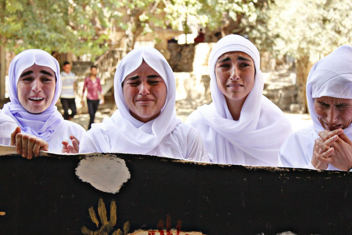 On the International Day for the #eliminationofviolenceagainstwomen, lets remember every #Yezidi women whom faced most cruel type of violence in the hand of ISIS. after 6 years, over 2000 Yezidis women and children are still mising.