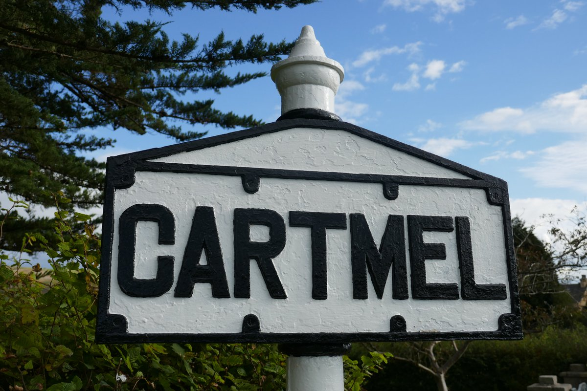 @pete_savin @CartmelSticky and just along from there 😉#photography #icon #streetphotography #heritage