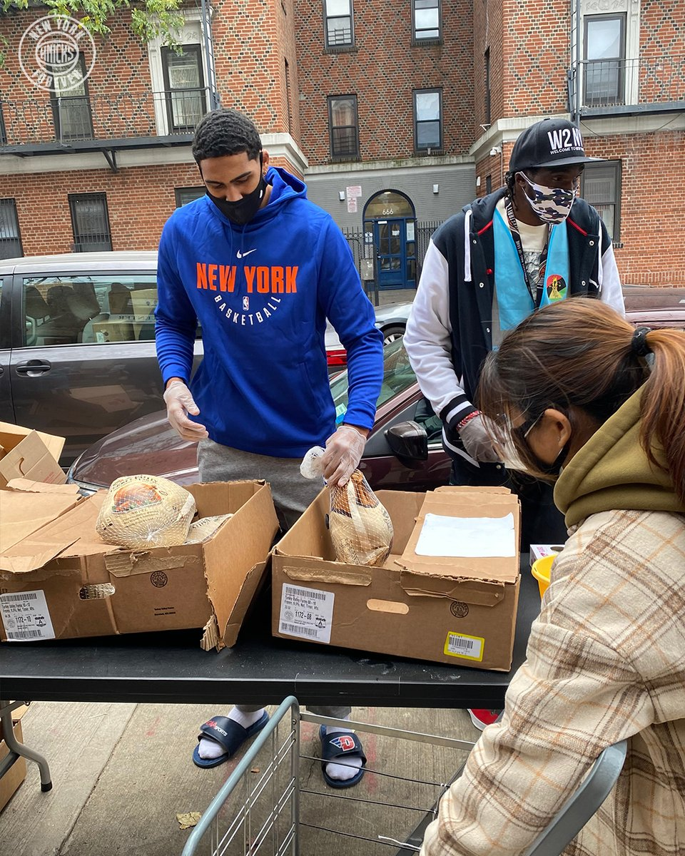 Making a difference in the community 🙌  Today, @obitoppin1 joined the Black Veterans for Social Justice nonprofit for a Thanksgiving food distribution in Brooklyn.