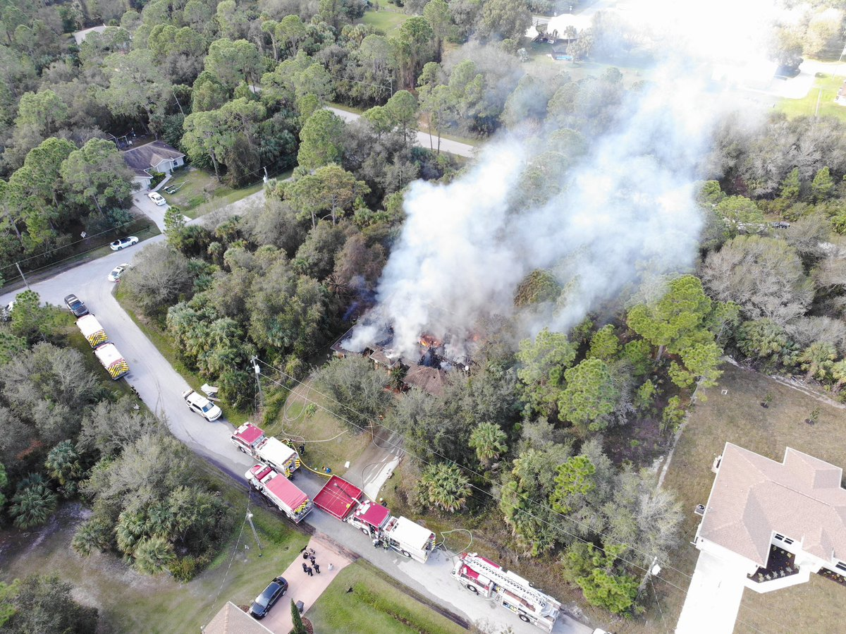 Just got off the phone with the Regional Communications Manager for the @RedCrossCFL. They tell @mysuncoast they are providing emergency assistance to the North Port family that just lost their home in a fire.   📷: @CityofNorthPort