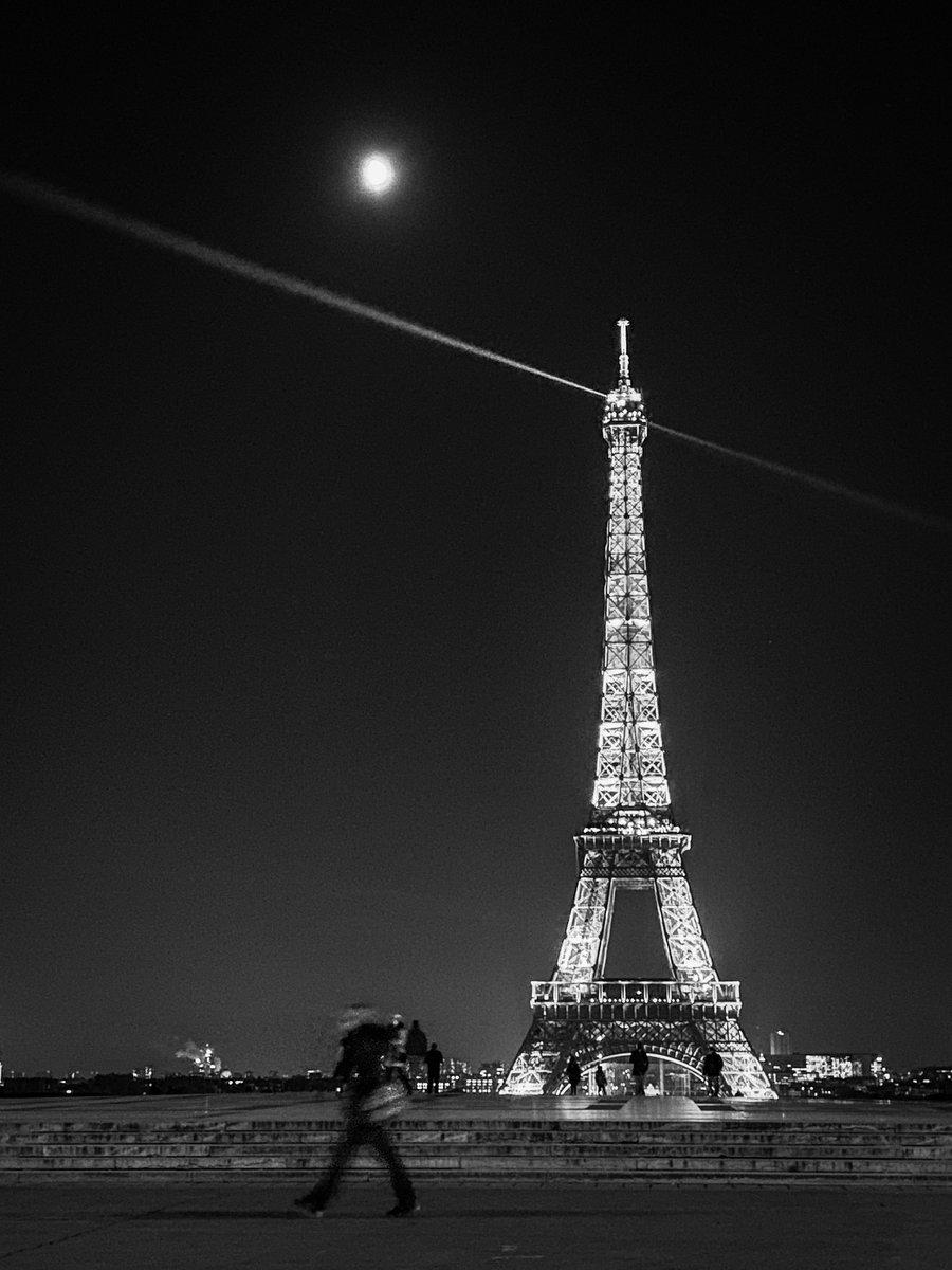 Replying to @nikosaliagas: #Paris today @Paris @LaTourEiffel