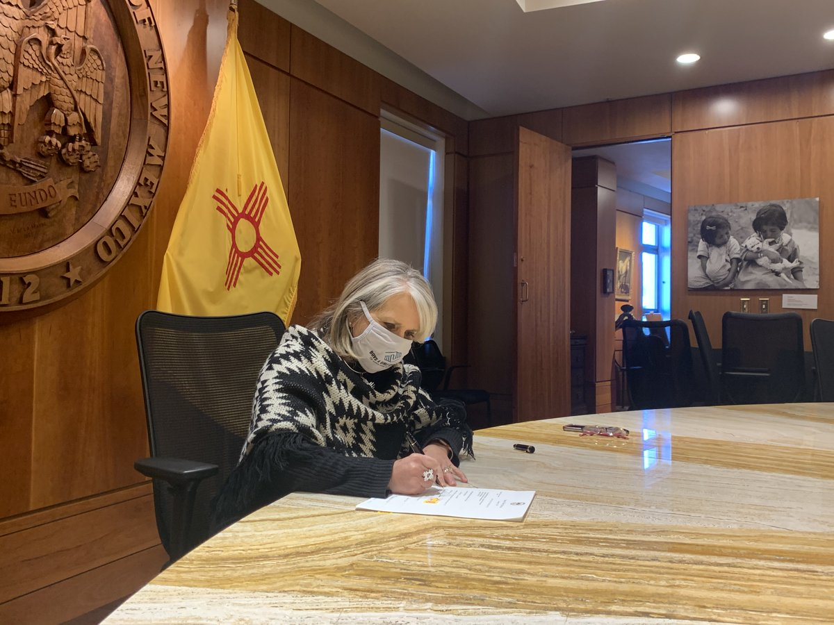 🖋️ SIGNED! $330 million in critical economic relief and support is headed out to New Mexicans across the state.  In this time of crisis, I'm proud that the state worked together to get assistance to New Mexicans amid inaction from federal leadership.