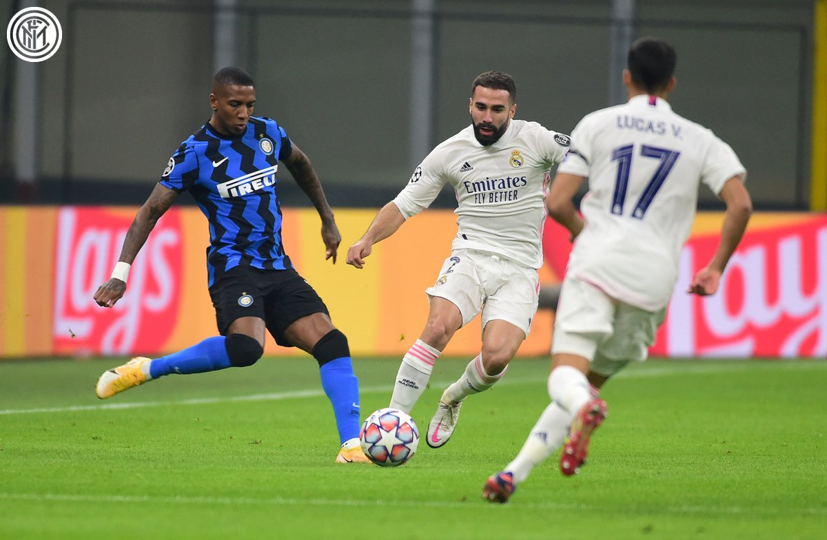 ▶️ | 46' - SECOND HALF  Something special needed to get back into this. 𝘾𝙤𝙢𝙚 𝙤𝙣, 𝙉𝙚𝙧𝙖𝙯𝙯𝙪𝙧𝙧𝙞!  #InterReal 0⃣-1⃣  #UCL #FORZAINTER ⚫️🔵