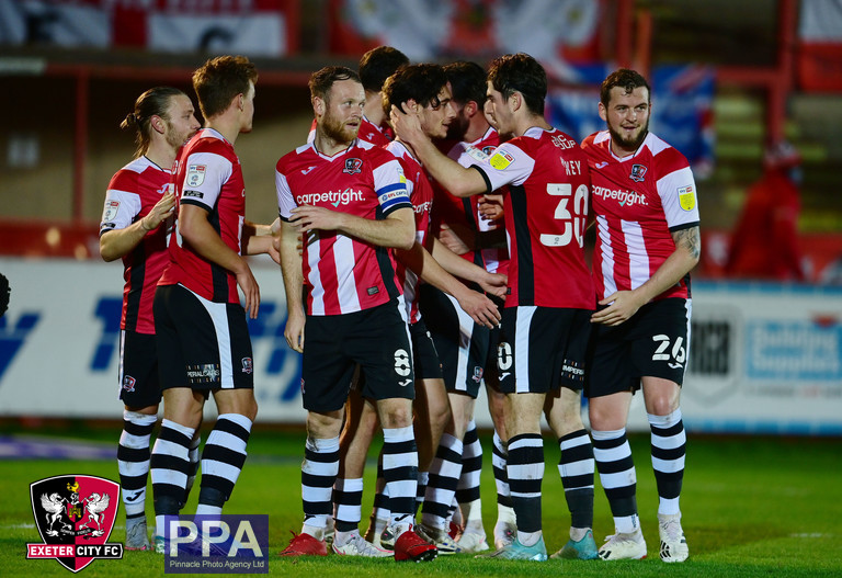 😍 Find someone that looks at you like @joshkey1999 looks at @Joelrandall11 😉  #ECFC #OneGrecianGoal https://t.co/sdCNQhKYVD